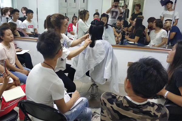 天津美发学校