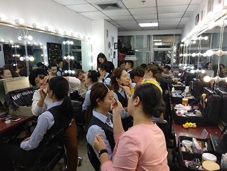 思齐化妆培训学校—实践活动2