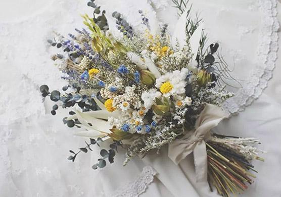 晒干的鲜花可以这么玩,想学花艺的马上收藏!