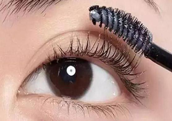 不按时护理 做完眉毛颜色会掉50%